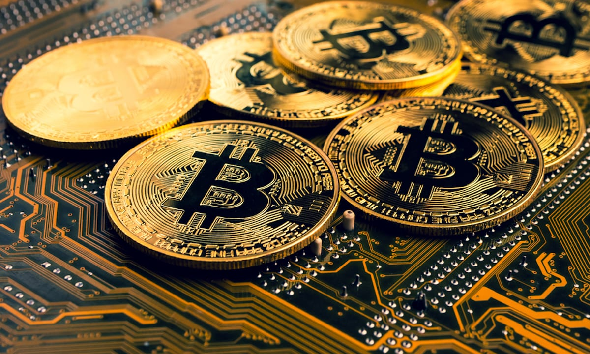 What Bitcoin Is and How It Works: A Perfect Guide for Beginners